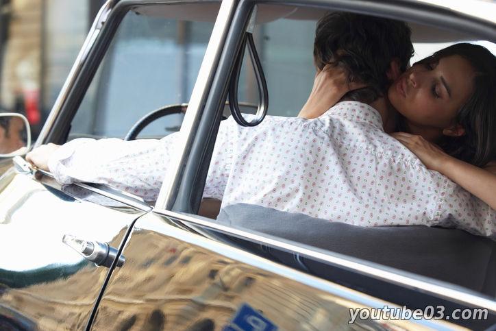 Видео занимаются люди любовью в машине фото 162-861